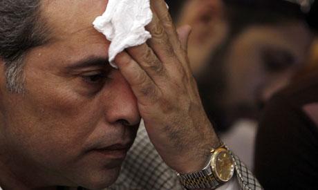 Parlamentario egipcio golpeado con un zapato por cenar con embajadorisraelí