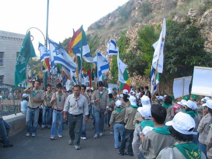 PikiWiki_Israel_1337_Druze_scouts_at_jethro_holy_place_צופים_דרוזים_בקבר_יתרו